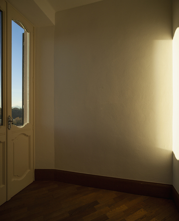 Detail of a window with a view, on a sunny day. No one inside Standard-Bild - 114299897