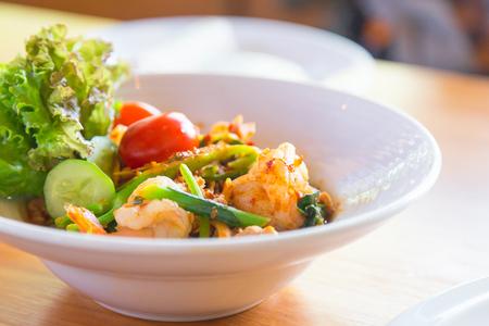 Fresh salad shrimp. Zdjęcie Seryjne