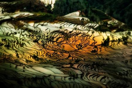 Yuanyang est situ� dans la pr�fecture de Honghe, province du Yunnan, en Chine, le long de la rivi�re Rouge Il est bien connu pour sa spectaculaire rizi�res en terrasses Banque d'images