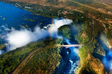 vista:  uFFFDVictoria Falls, Zambia and Zimbabwe uFFFD Victoria Falls or Mosi-oa-Tunya is the widest waterfall in the world Stock Photo