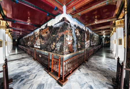 emerald city: World s longest mural painting, Wat Phra Kaew, Bangkok, landmark of Thailand  - The Wat Phra Kaew or Temple of the Emerald Buddha is located in Grand Palace, mural painting based on the Indian epic  Ramayana