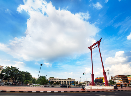 metropolitan: Giant Swing and City Hall, Landmark of Bangkok, Thailand  -The Giant Swing  Sao Ching Cha  is a religious structure, It was formerly used in an old Brahmin ceremony, Bangkok s