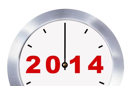 Nouvelle ann�e 2014 concept, horloge pr�s isol� avec des chemins de d�tourage Banque d'images