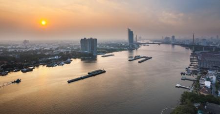 phraya: Urban City Skyline, Chao Phraya River, Bangkok,Thailand