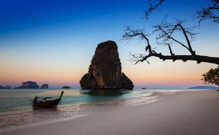 nang: Ao nang beach, Railay, Krabi province, the best beach in Thailand  Ao nang  Princess Bay  or Ao Phra Nang or Phra nang is very scenic beach with caves and cliffs