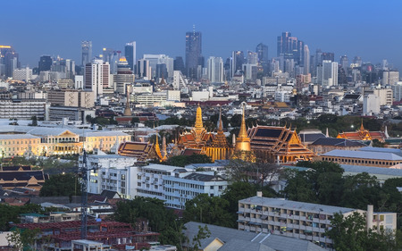 kaew: Urban City Skyline, with Grand Palace, Wat Phra Kaew, Bangkok,Thailand  Grand Palace and Wat Phra Kaew or Temple of the Emerald Buddha are located in the historic centre of Bangkok  Stock Photo