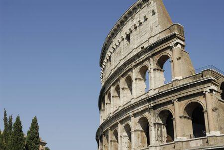 Koloseum rzymskie, symbol starożytnego Imperium Rzymskiego Zdjęcie Seryjne - 1535567
