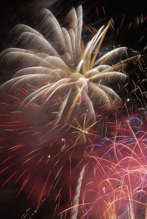 guy fawkes night: Explosion of fireworks in the night sky