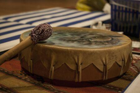Sjamanistische drum gebruikt in speciale ceremonies zoals de ceremonie met het gebruik van Ayahuasca. Stockfoto