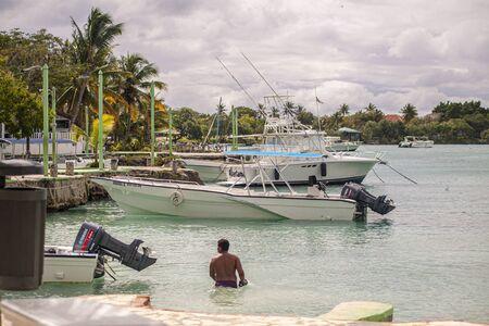 BAYAHIBE, DOMINICAN REPUBLIC 21 JANUARY 2020: Boats in Bayahibe in Dominican Republic 報道画像