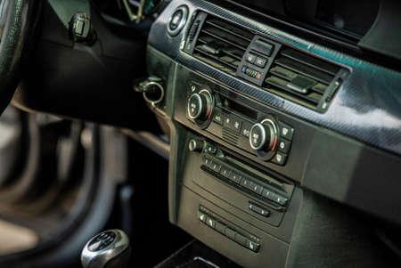Center console of the car 2 Imagens