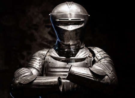 Suits of armour from Tudor and medieval times on display in London Tower 免版税图像