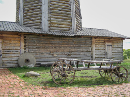 waggon: This waggon is ancient and carry flour from winmill to the storehouse