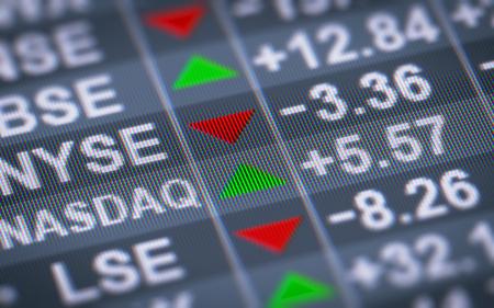 Belangrijke aandelenbeurzen van uitgegeven aandelen van binnenlandse bedrijven op het scherm. Stockfoto