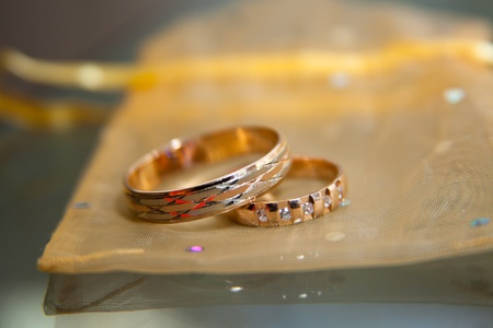 Wedding rings in gold photo