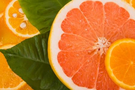 혼합 된 감귤 류의 과일