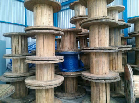 industrial: wheel for roll cable