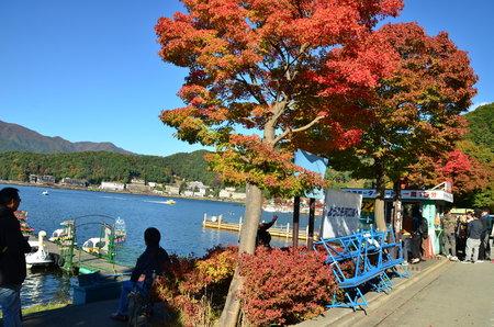 kawaguchi ko: Mount Fuji at Kawakuchiko lake in Japan