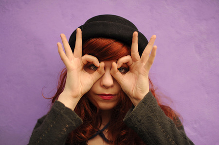 mimicry: Gesture, mimicry, deaf-mutes to speak gestures, hands, to gesticulate, show hands, to express thought, to speak