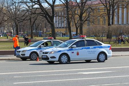 상트 페테르부르크, 러시아 -2007 년 5 월 3 일 : 교통 경찰 순찰 도시에서 순서를 유지