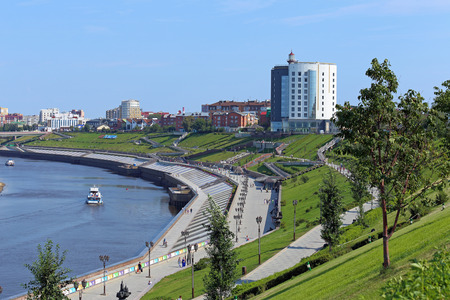 Tyumen, RUSSIA-AUGUST 14, 2018: the City river Tour on a summer day Редакционное