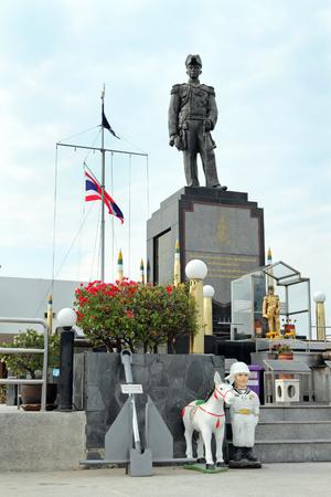 PATTAYA, THAILAND-MARCH 25, 2012: Monument to Admiral Chumphon, founder of the Thai Navy on Pattaya Hill Redakční
