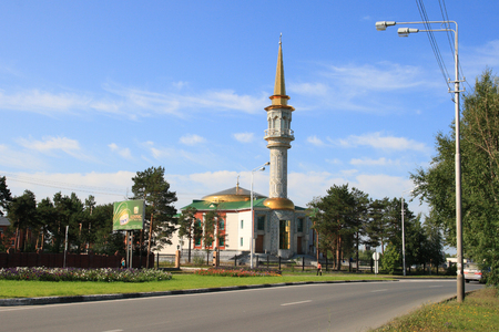 SURGUT, RUSSIA-AUGUST 25, 2009: city mosque on Naberezhny Prospekt on a summer day Editorial