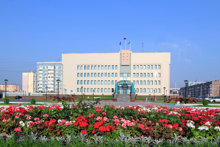Novy Urengoi, RUSSIA-JULY 20, 2012: Flowers in front of the city administration and Duma building 報道画像