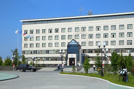 Novy Urengoi, RUSSIA-JULY 18, 2013: Gazprom dobycha Novy Urengoi office building on a summer day 報道画像