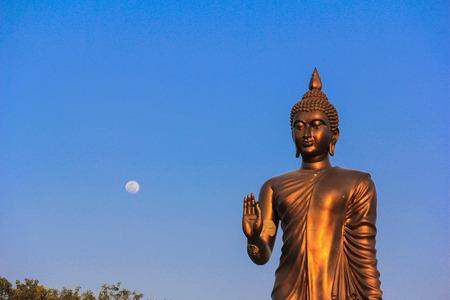 gaya: Budha and moon