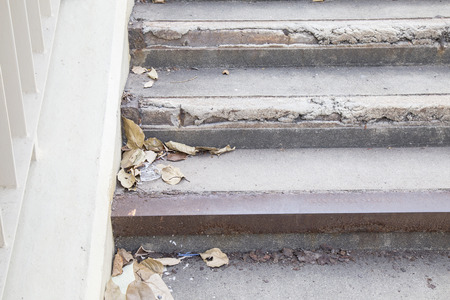 wastrel: Garbage dry leaf plastic on the stair , copy space