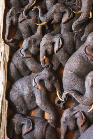 Elefante de madera antiguo tallado Foto de archivo - 13764634