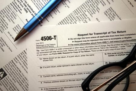 4506-t form for tax time Foto de archivo