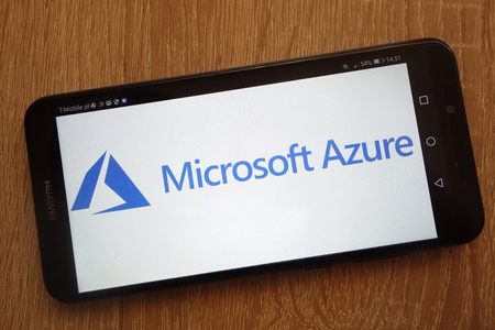 KONSKIE, POLAND - SEPTEMBER 01, 2018: Microsoft Azure logo displayed on a modern smartphone 免版税图像 - 114452449