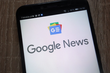 KONSKIE, POLAND - SEPTEMBER 07, 2018: Google News logo displayed on a modern smartphone Editöryel