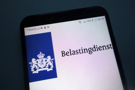 KONSKIE, POLAND - SEPTEMBER 29, 2018: Dutch Tax and Customs Administration (Belastingdienst) on smartphone Redactioneel
