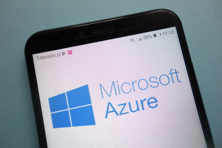 KONSKIE, POLAND - November 03, 2018: Microsoft Azure logo on smartphone 免版税图像 - 114454423