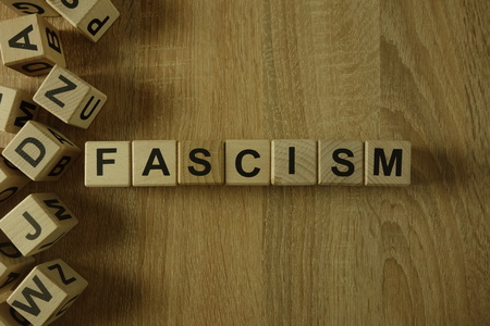 Fascism word from wooden blocks on desk Stockfoto