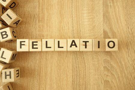 Palabra de bloques de madera sobre fondo de escritorio
