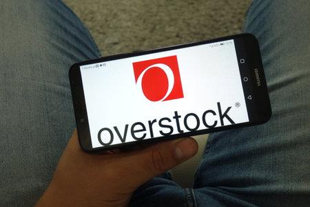 KONSKIE, POLAND - June 29, 2019: Overstock.com Inc logo displayed on mobile phone Reklamní fotografie - 127812857