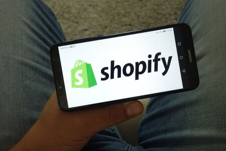 KONSKIE, POLAND - June 29, 2019: Shopify company logo displayed on mobile phone Reklamní fotografie - 127812861