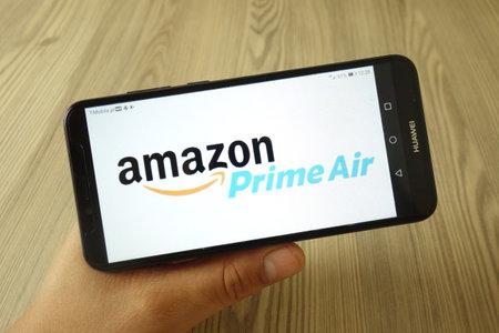 KONSKIE, POLAND - July 29, 2019: Amazon Prime Air logo displayed on mobile phone Stockfoto - 128623188