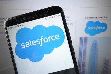 KONSKIE, POLAND - August 18, 2019: Salesforce company logo displayed on mobile phone Redakční