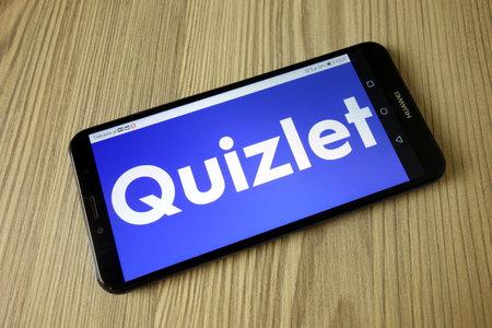 KONSKIE, POLAND - November 04, 2020: Quizlet online study application logo on mobile phone 新闻类图片