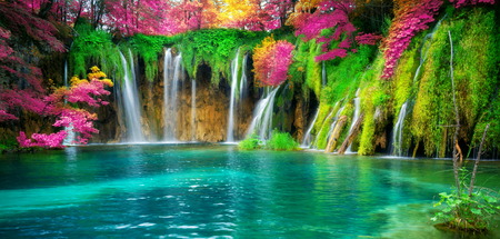 Exotic waterfall and lake landscape of Plitvice Lakes National Park 版權商用圖片