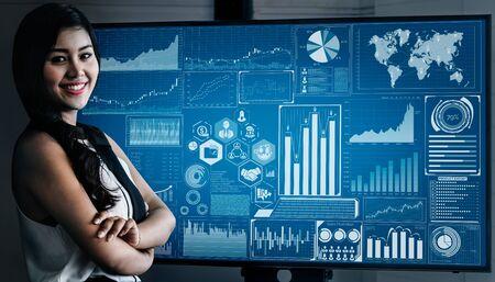 Analyse de données pour le concept commercial et financier. Interface graphique montrant la future technologie informatique d'analyse des bénéfices, de recherche marketing en ligne et de rapport d'information pour la stratégie commerciale numérique. Banque d'images