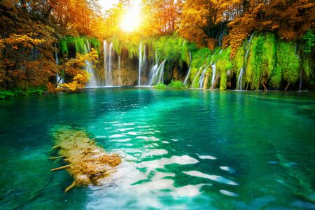 Exotic waterfall and lake landscape of Plitvice Lakes National Park, UNESCO natural world heritage and famous travel destination of Croatia. The lakes are located in central Croatia (Croatia proper). Stockfoto