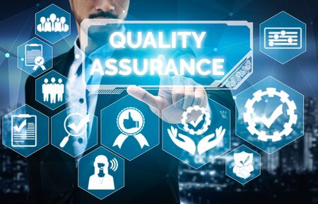Quality Assurance and Quality Control Concept - Modern graphic interface showing certified standard process, product warranty and quality improvement technology for satisfaction of customer. Foto de archivo - 130024036