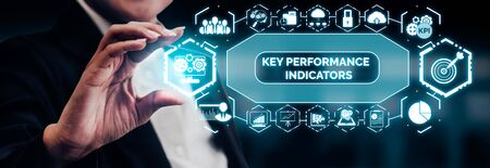 KPI Key Performance Indicator for Business Concept - Modern graphic interface showing symbols of job target evaluation and analytical numbers for marketing KPI management. Banque d'images