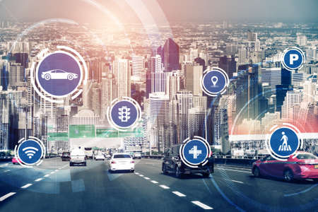 Smart transport technology concept for future car traffic on road . Virtual intelligent system makes digital information analysis to connect data of vehicle on city street . Futuristic innovation . Standard-Bild